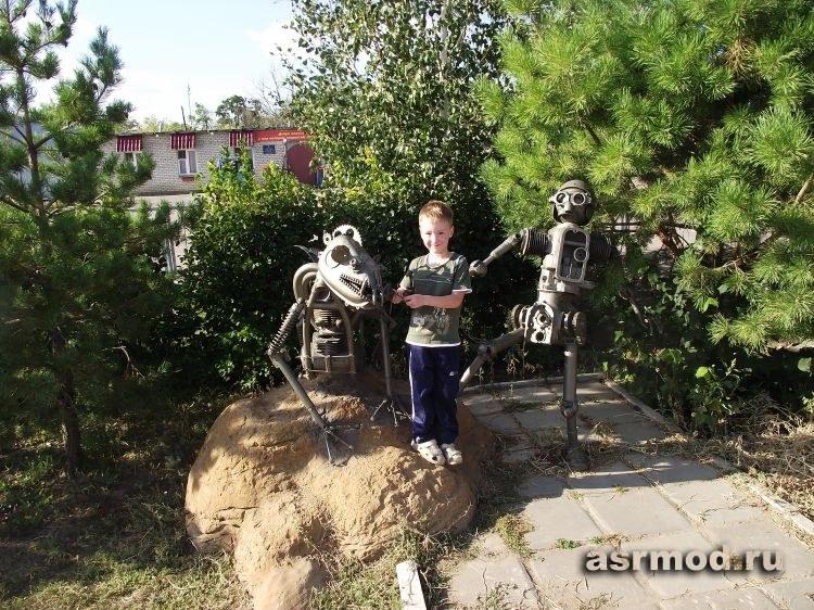 Железные монстры п. Светлый